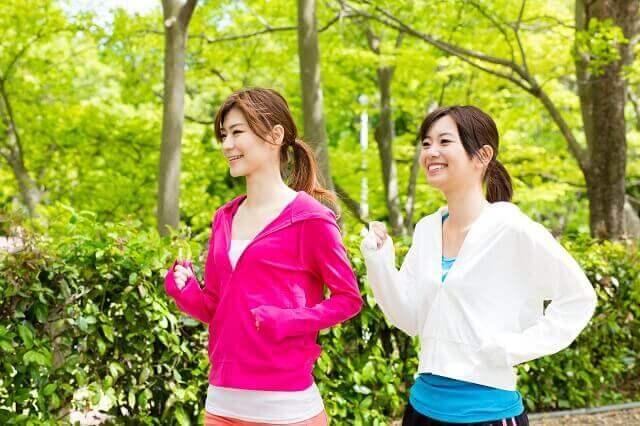 赤い鳥居が立つ県立自然公園旭山 桜が美しい芝生の広がる神域 アクセスを紹介!