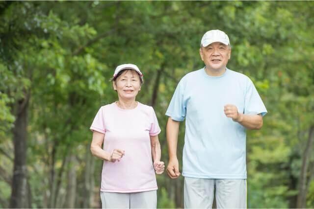 その歩き方が腰痛を招く!歩き方を矯正し、腰痛・肩こりを改善させる方法とは