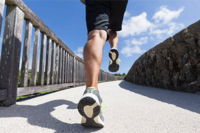 息が切れるスピードで上り坂を歩いた時の消費カロリー